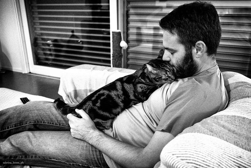 amore tra uomini e gatti