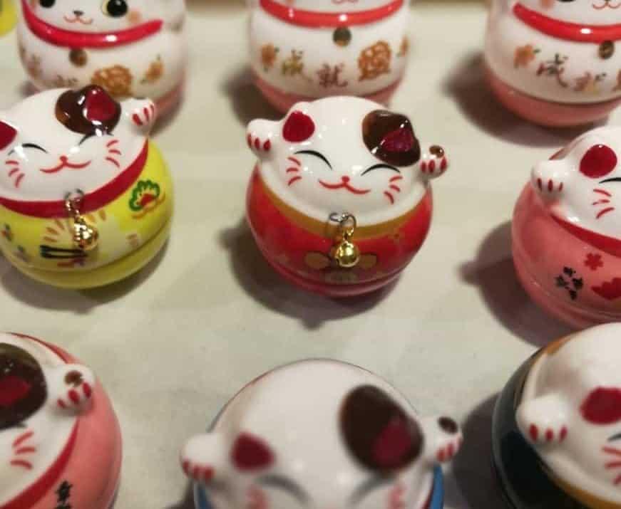 maneki neko gatto portafortuna giapponese